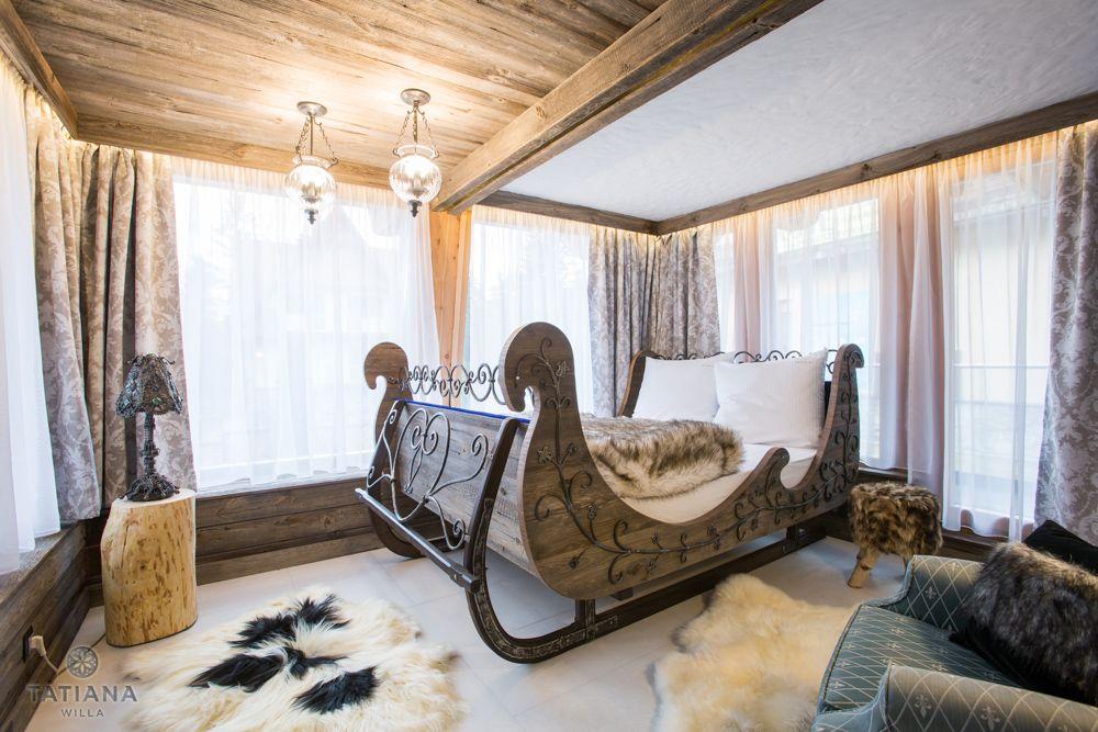 Apartament Syberyjski Willa Tatiana folk łóżko w kształcie sań