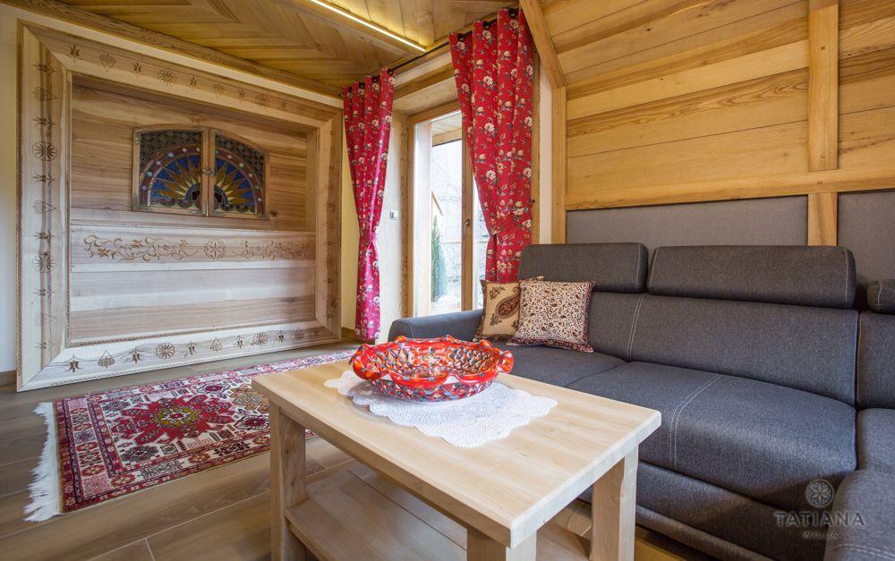 Apartament Tatrzański Willa Tatiana folk drewniany salon