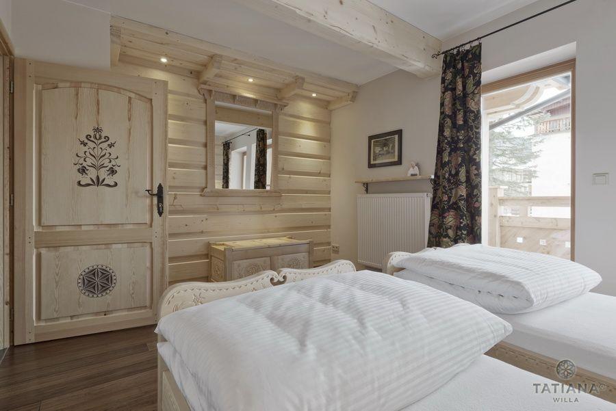 Apartament 12 Willa Tatiana II Zakopane drewniana sypialnia