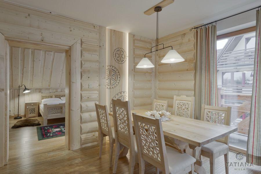 Apartament 17 Willa Tatiana lux Zakopane drewniana jadalnia