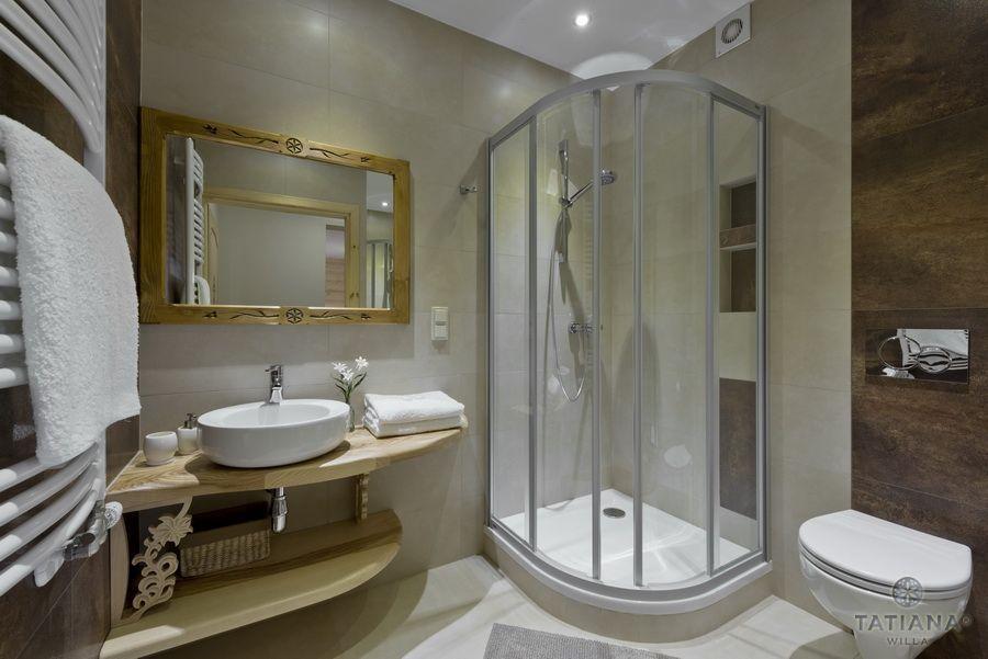 Apartament 17 Willa Tatiana lux- Zakopane łazienka z akcentem drewna