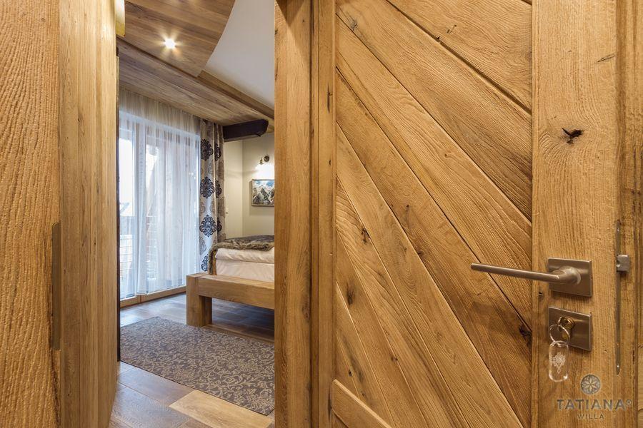 Apartament Debowy Willa Tatiana boutique drewniane drzwi