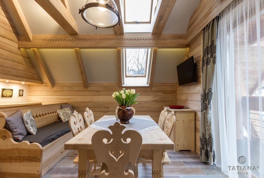 Apartament Jesionowy Willa Tatiana boutique drewniany salon