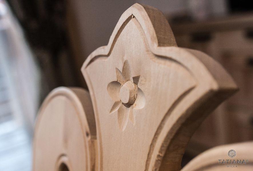 Willa Tatiana boutique drewniane góralskie oparcie krzesła